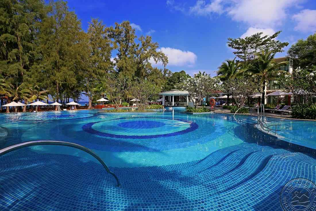 HOLIDAY INN RESORT PHUKET MAI KHAO BEACH-0