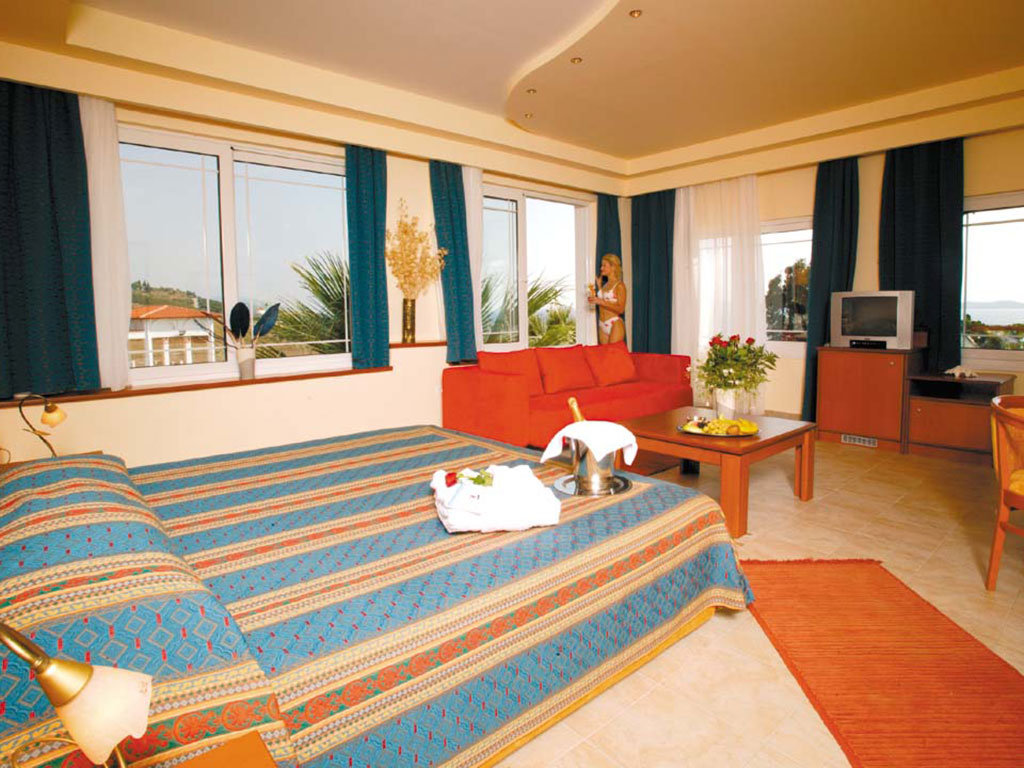 Alexandros Palace Hotel & Suites-9